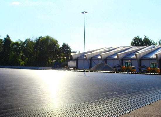Terrain de hockey avec système de chauffage du gazon, parc de loisirs de Grünwald